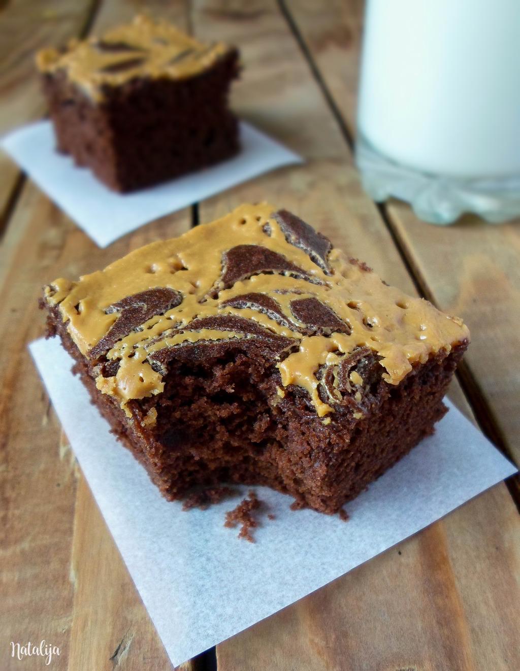 Čokoladni kolač sa kikiriki puterom