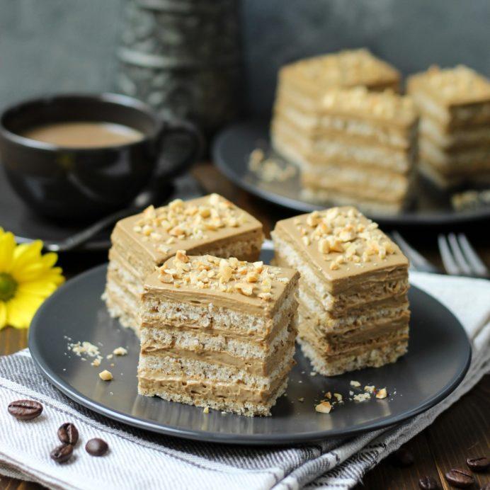 Krem kolač od lešnika i kafe