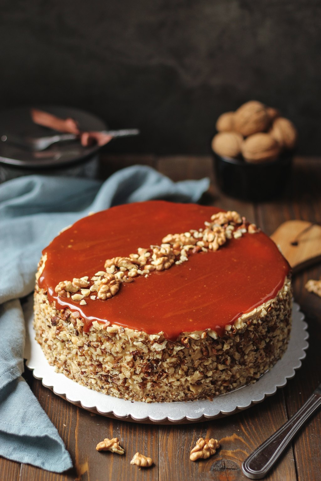 Karamel torta sa orasima 1