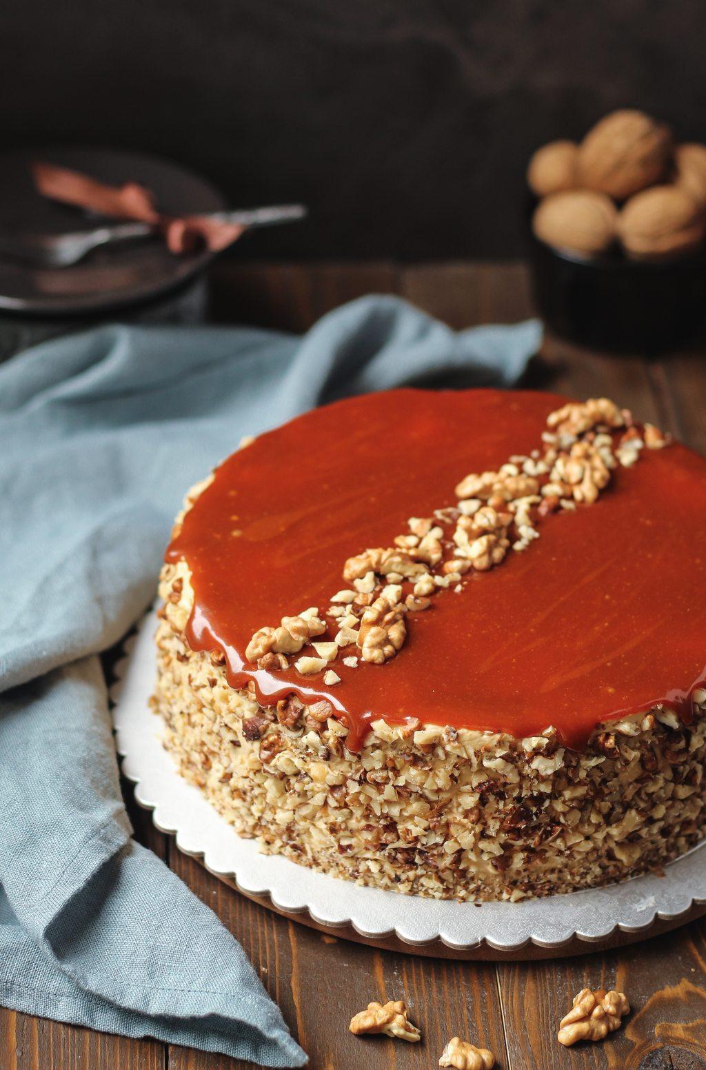 Karamel torta sa orasima 2