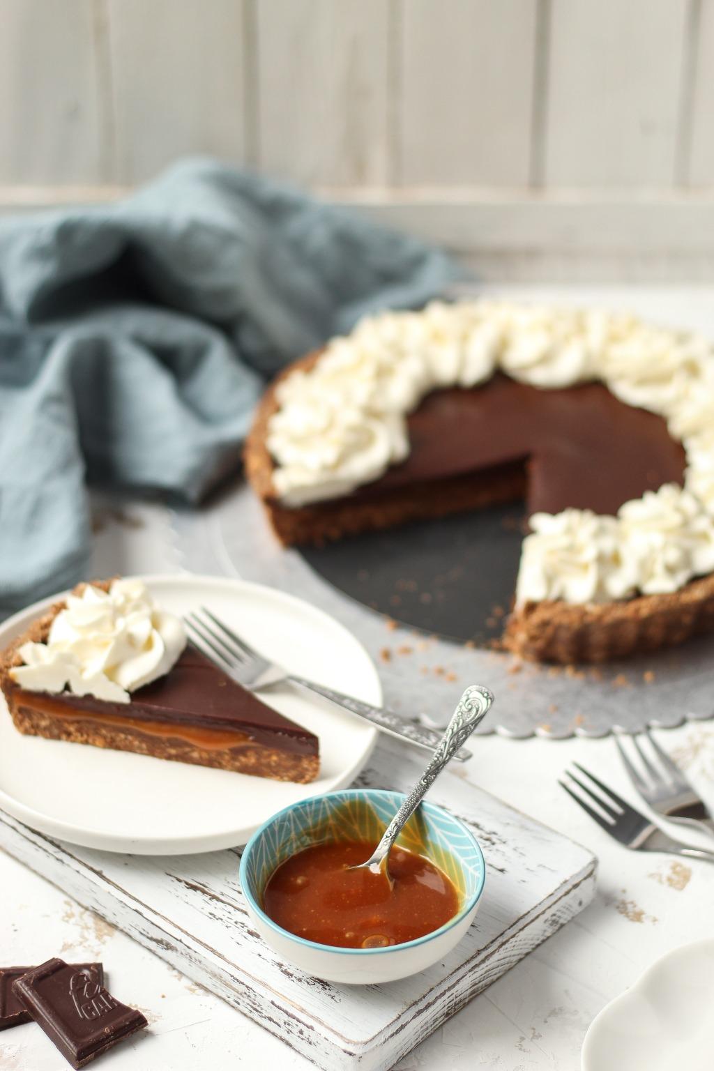 Čoko-karamel tart sa mascarpone kremom 3
