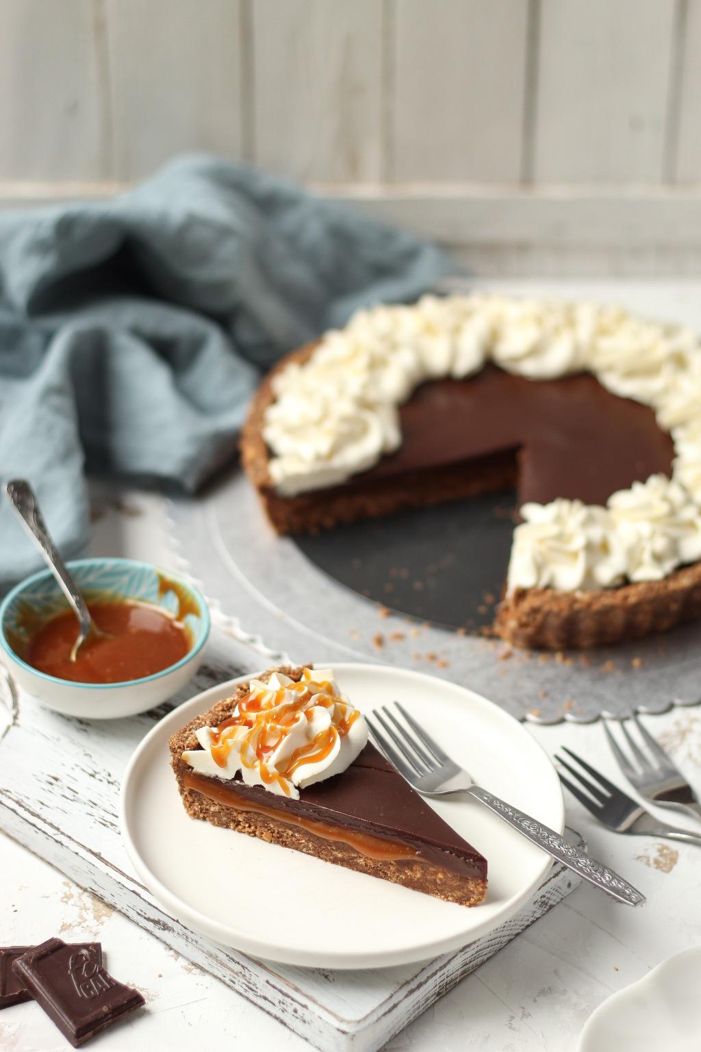 Čoko-karamel tart sa mascarpone kremom 6