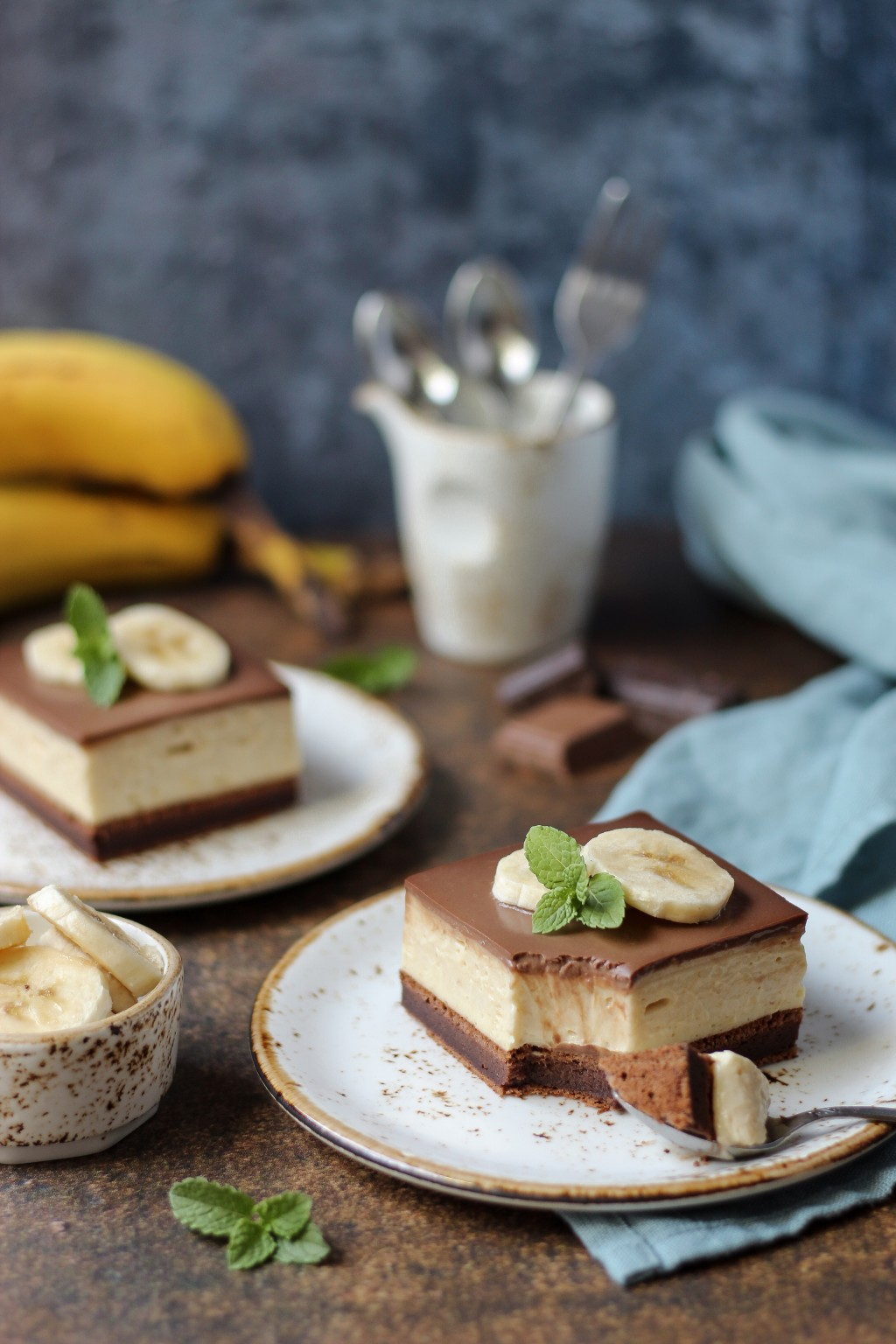 Krem kocke sa bananama i čokoladom 4