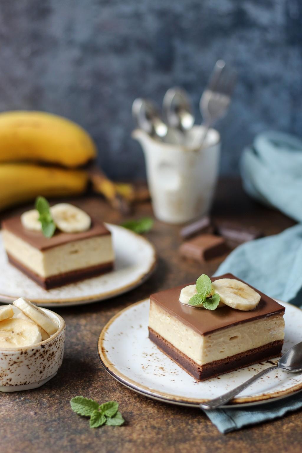 Krem kocke sa bananama i čokoladom 3