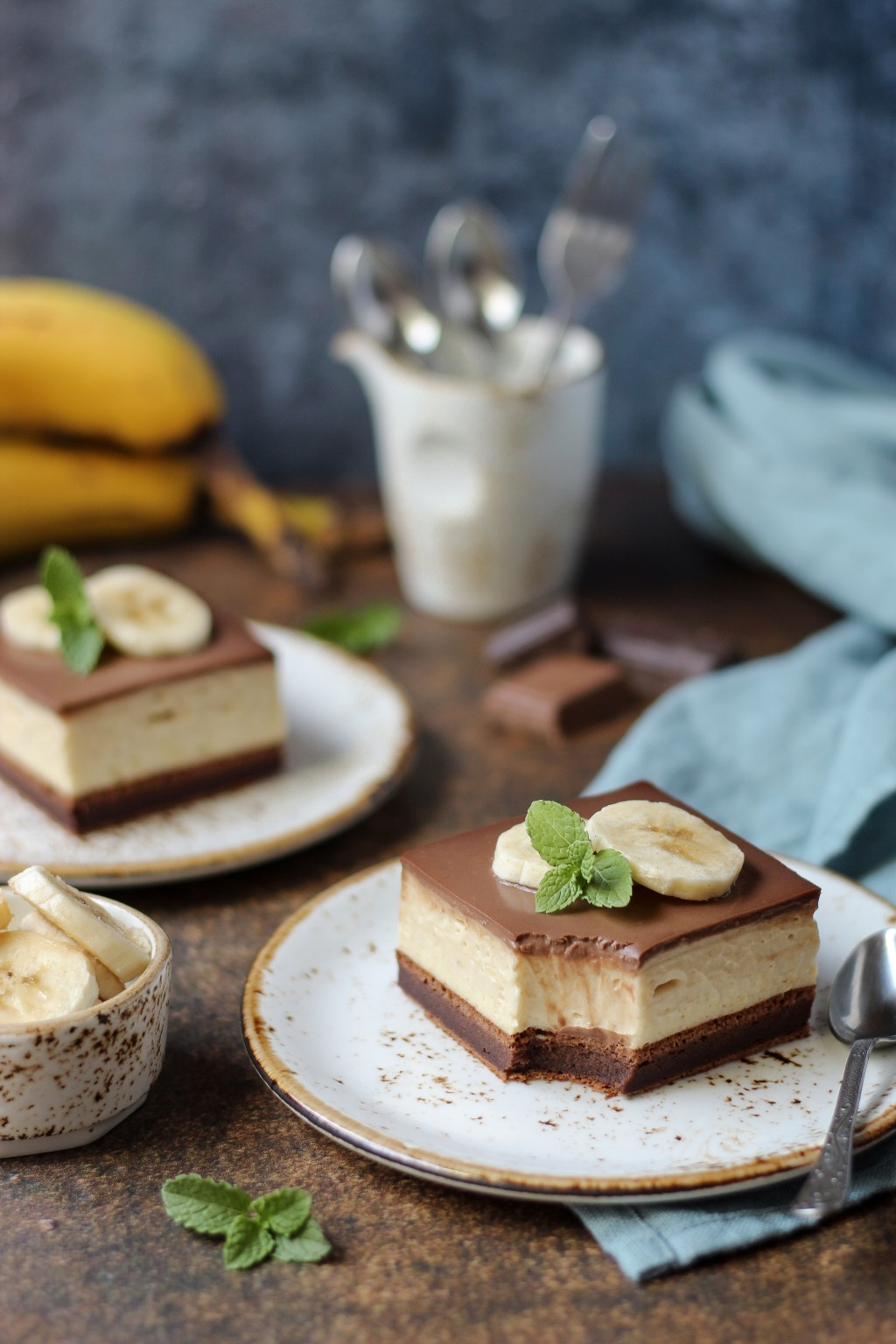Krem kocke sa bananama i čokoladom 5