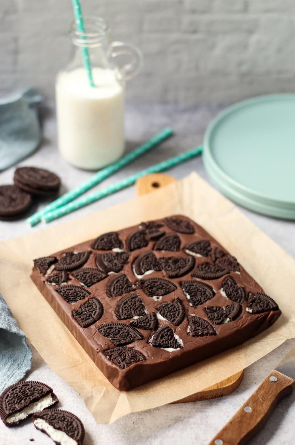 Čokoladne kocke (fudge) sa oreo keksom 1
