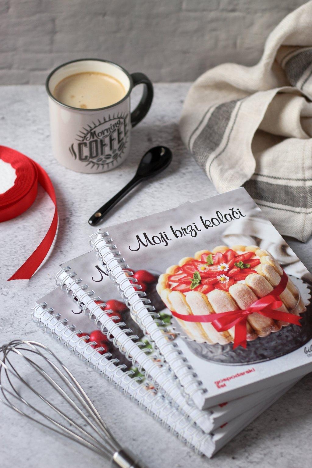 Knjiga Moji brzi kolači 2