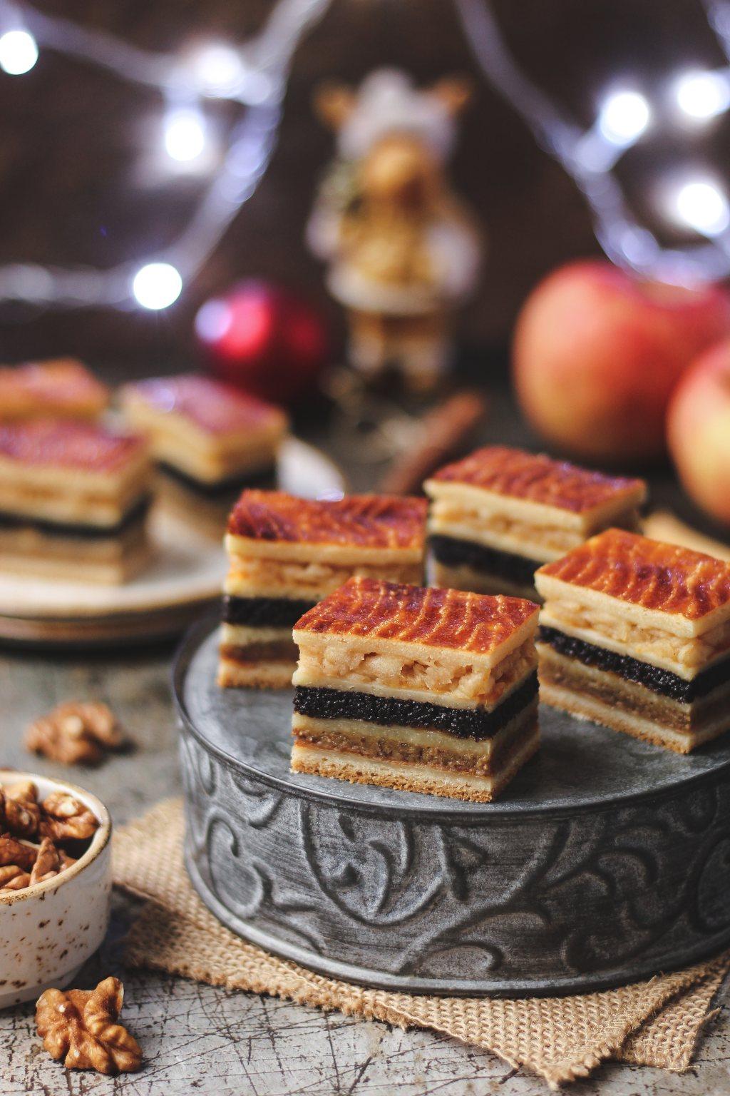 Flodni - pita sa orasima, makom i jabukama 6