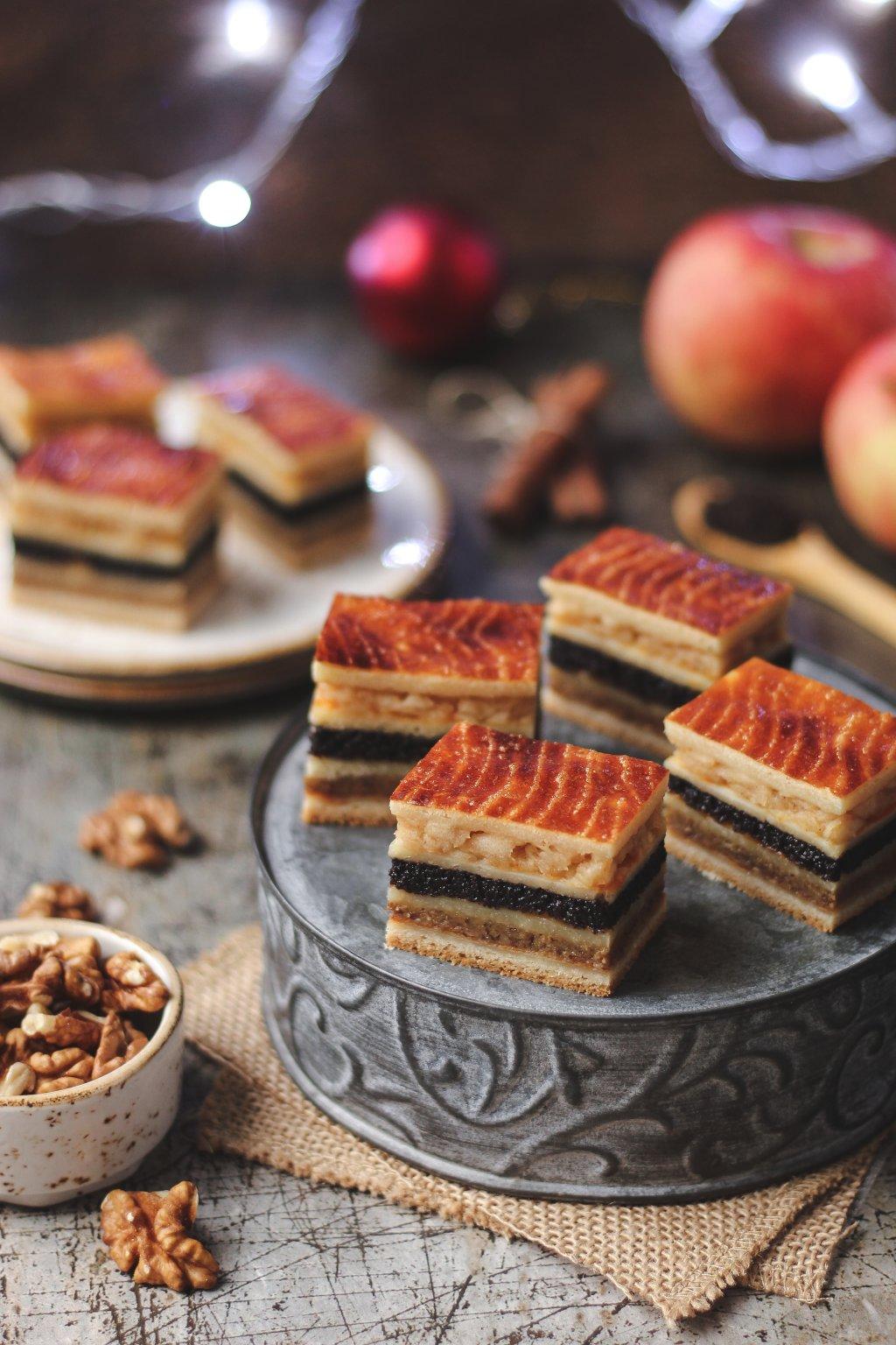 Flodni - pita sa orasima, makom i jabukama 1