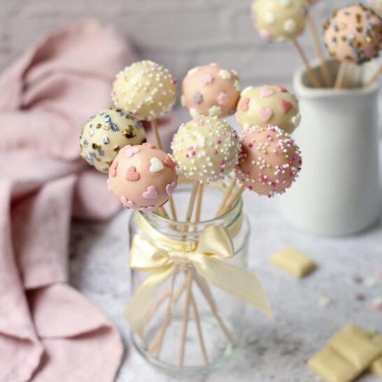 Kejk pops (cake pops)